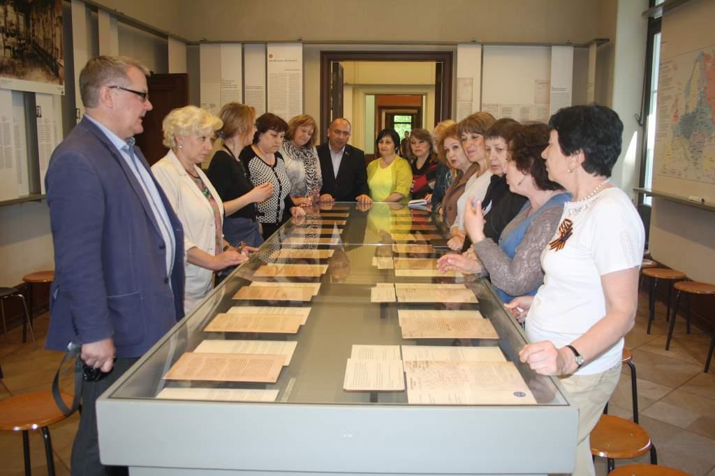 В зале, где был подписан документ об окончательном решении еврейского вопроса..JPG